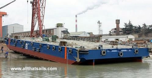 55M Deck Cargo Ballaste Tank Construction Spud Barge For Charter