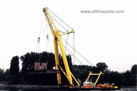 46M Floating Crane For Charter
