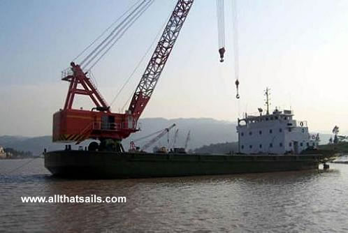 45M Self-Propelled Revolving Floating Crane Barge For Sale